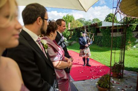 Dudelsackspieler-für-eine-Hochzeit