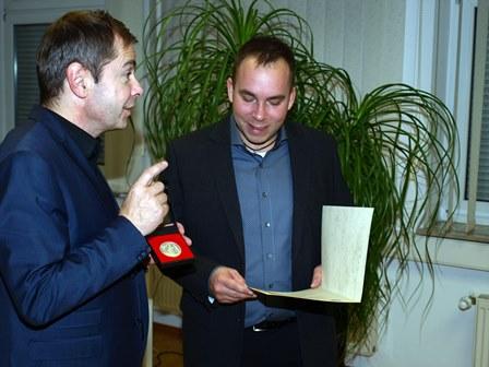 Ehrenmedaile-vom-Bürgermeister